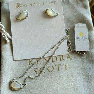 Kendra Scott Necklace and Earrings set
